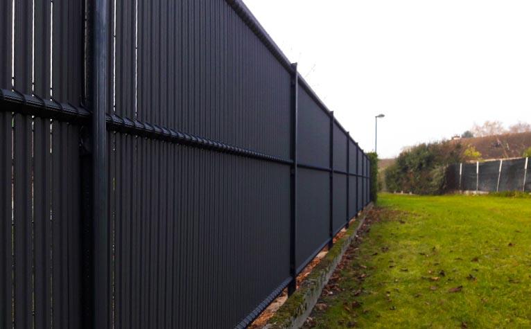 Créarbor - Paysagisme Orléans Toury Chaussy - Aménagement de jardin - Portails et clôtures